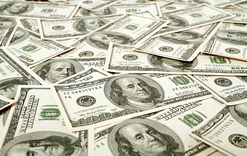 الدولار يرتفع مع بحث المستثمرين عن ملاذ آمن مع تصاعد إجراءات العزل من «كورونا» - أموال الغد