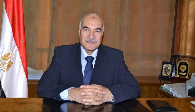 د. أحمد مصطفى رئيس الشركة القابضة للقطن والغزل والنسيج
