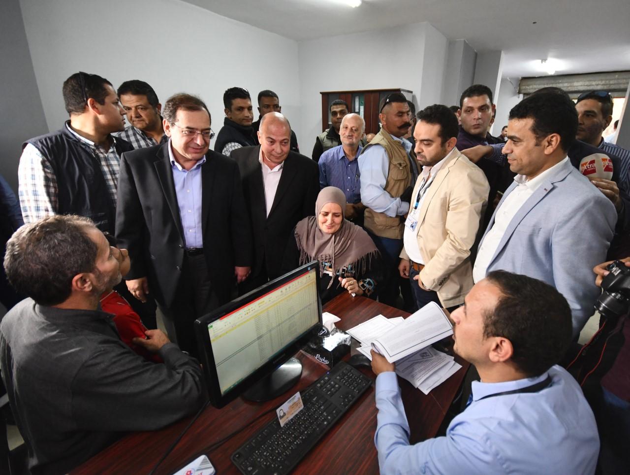 وزير البترول فى مقر تعاقد المواطنين
