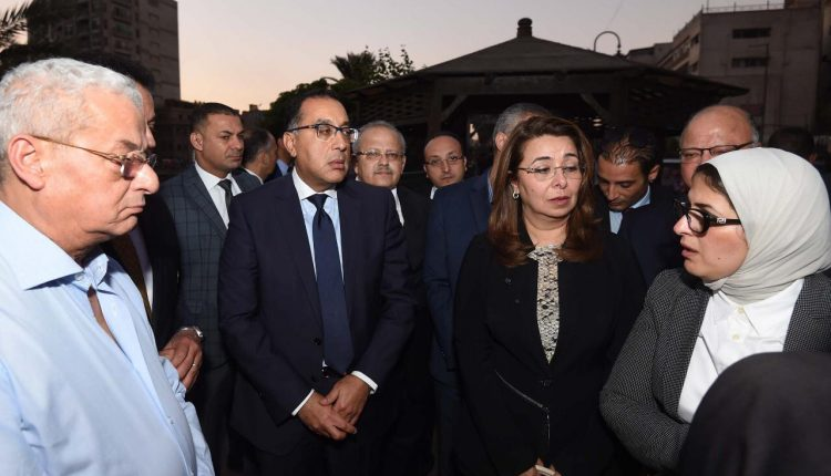 جانب من زيارة رئيس مجلس الوزراء لمعهد الأورام