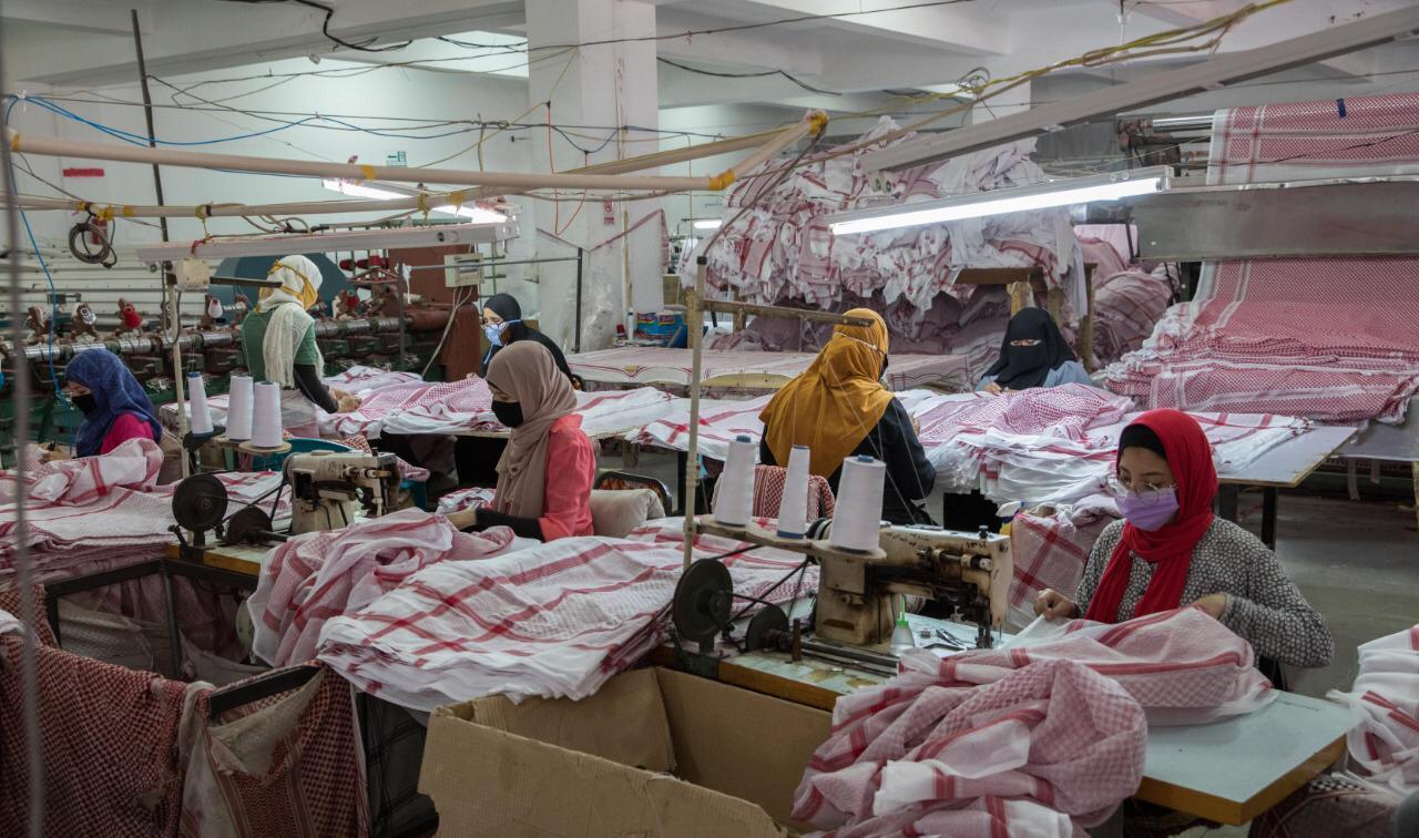 «اقتصادية قناة السويس» تؤكد استمرار العمل بالمصانع وشركات المطورين بالعين السخنة - أموال الغد